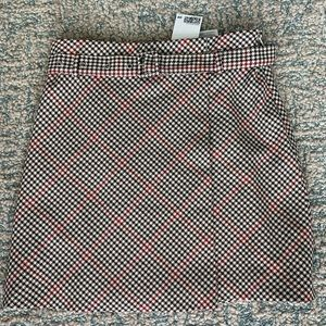 *NWT* Houndstooth Mini Skirt with Belt